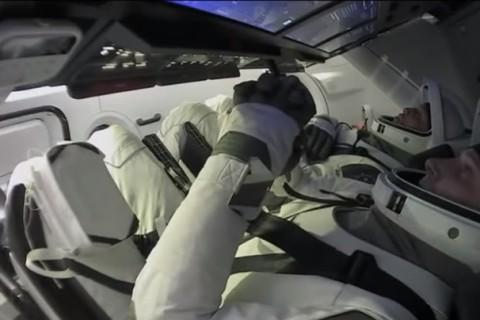 На МКС впервые удалось перестыковать космический корабль на другой порт