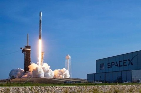 SpaceX доставит миссию NASA на Луну