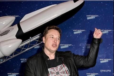 Илон Маск хочет построить на Луне и Марсе города