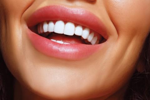 В США ученые создали конфеты, восстанавливающие зубную эмаль