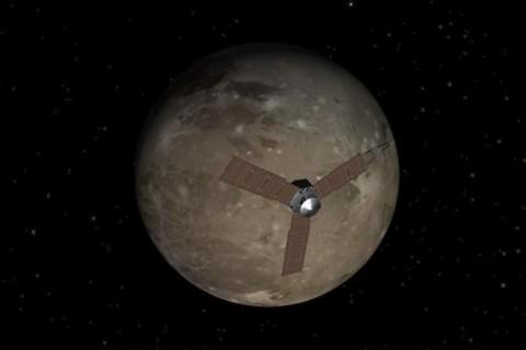 Появились первые фото гигантского спутника Юпитера