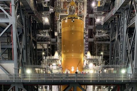 NASA показало фото своей уникальной ракеты, которая полетит на Луну