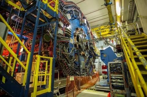 Ученые смогли доказать 80-летнюю гипотезу, что можно получить материю из света