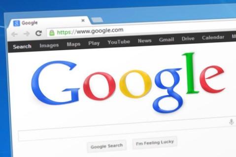Google запретил использовать рекламу для подростков