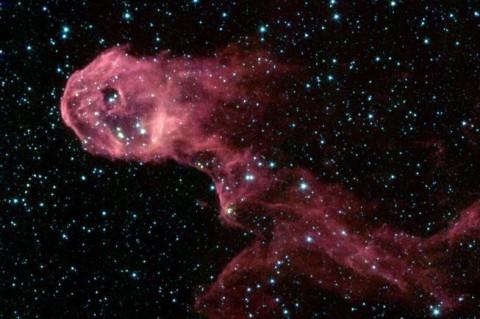 В NASA показали галактику, похожую на хобот слона