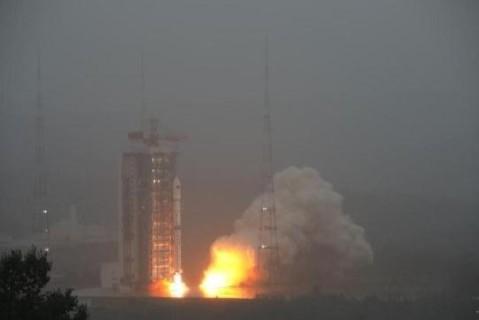 Китай запустил в космос очередную группу спутников