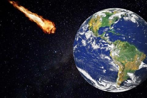 Потенциально опасно: к Земле приближается большой астероид