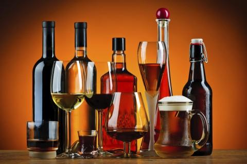 Ученые рассказали, можно ли пить алкоголь при коронавирусе и гриппе