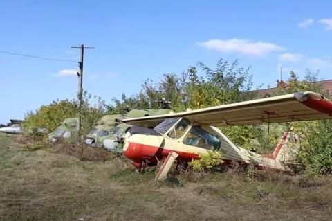 Кладбище авиатехники под Запорожьем: блогеры поделились снимками случайной находки
